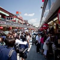Allée principale d'accès au temple Senso-ji