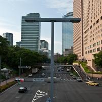 Rue et buildings de Shinjuku ouest