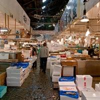 Les allées du marché aux poissons de Tsukiji