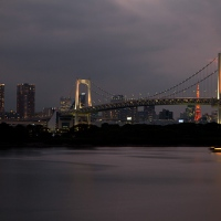 La nuit tombe sur le Rainbow Bridge 2/3